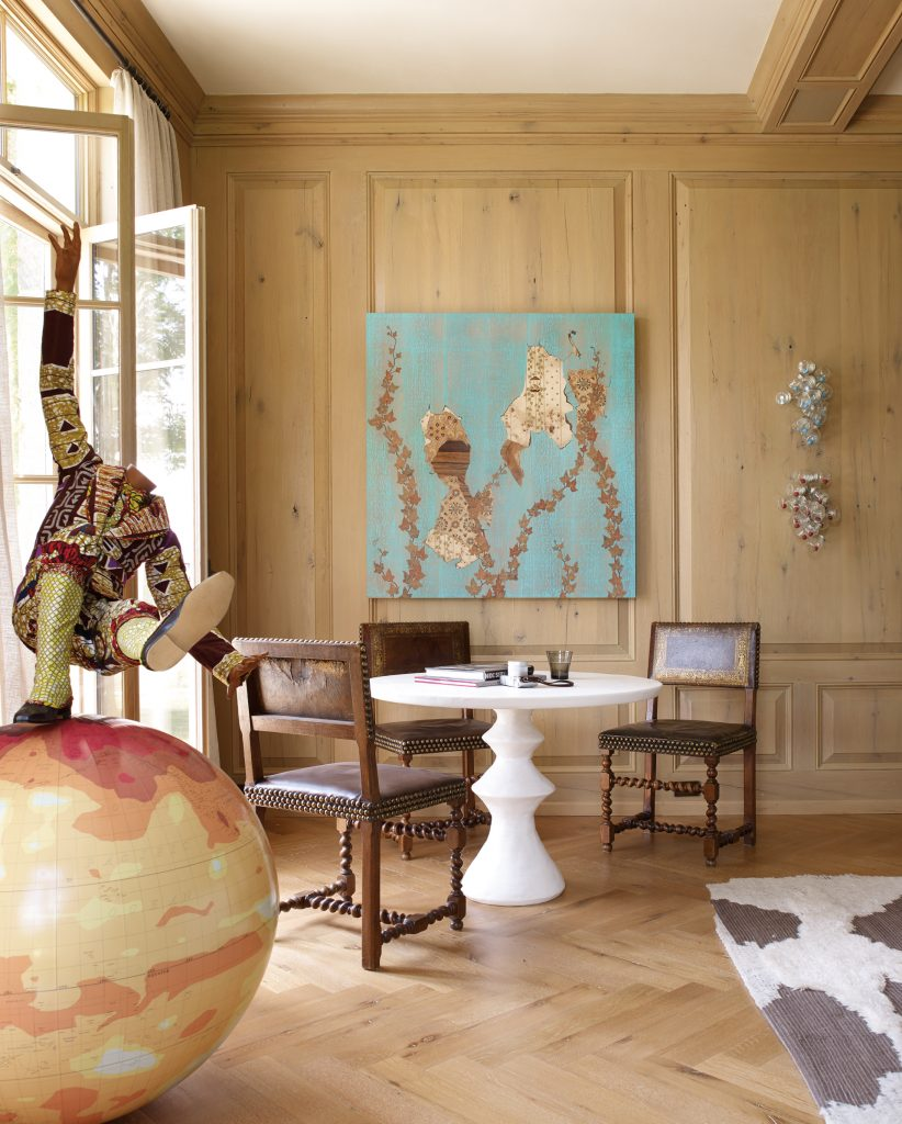 The Oak Lined Living Room Features Boy On Globe 3 By Nigerian British  Artist Yinka Shonibare And Alison Elizabeth Tayloru0027s Kelso. Gold Tooled  Leather Chairs ...