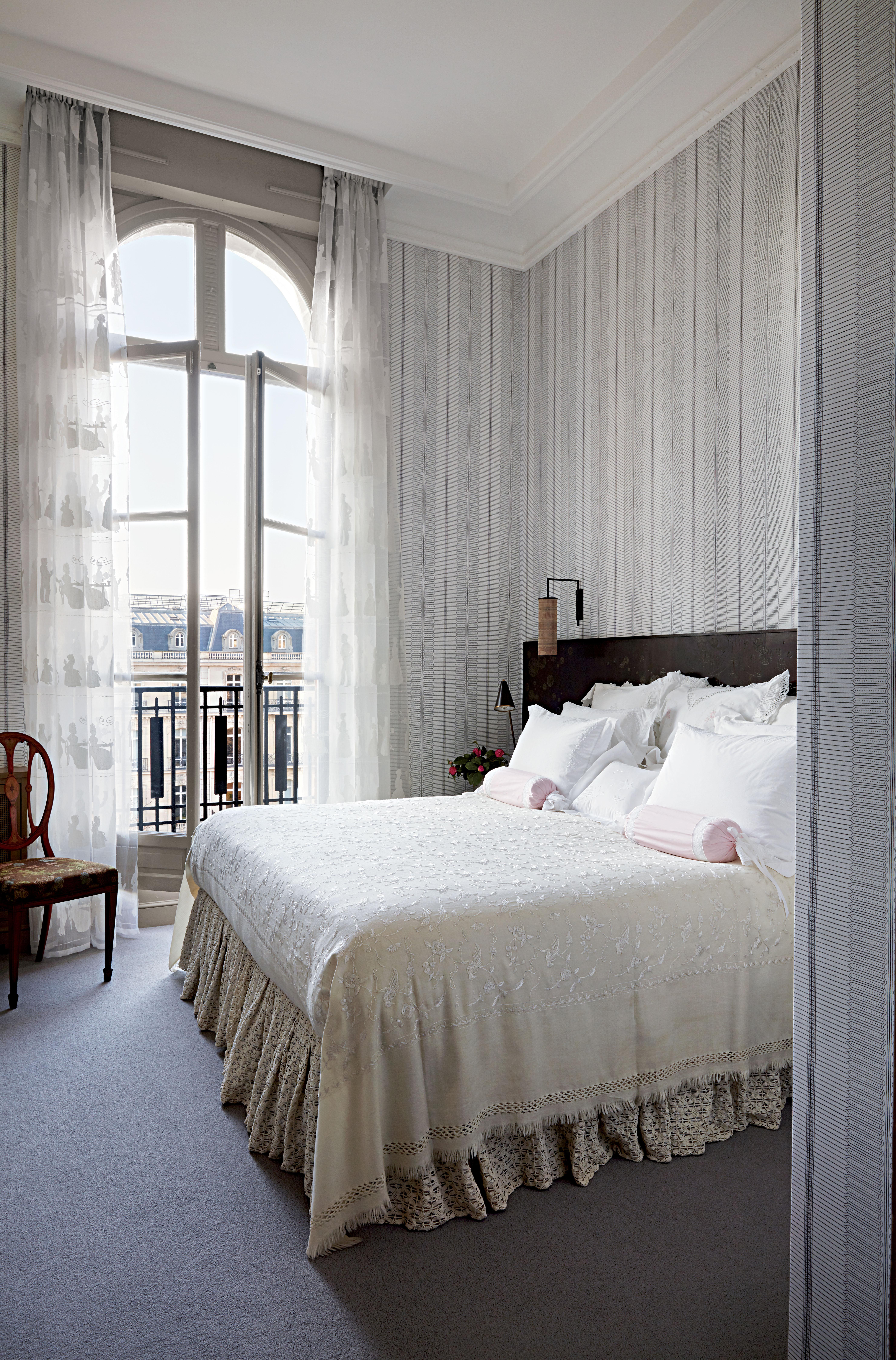 muriel brandolini u0026 39 s chic paris apartment