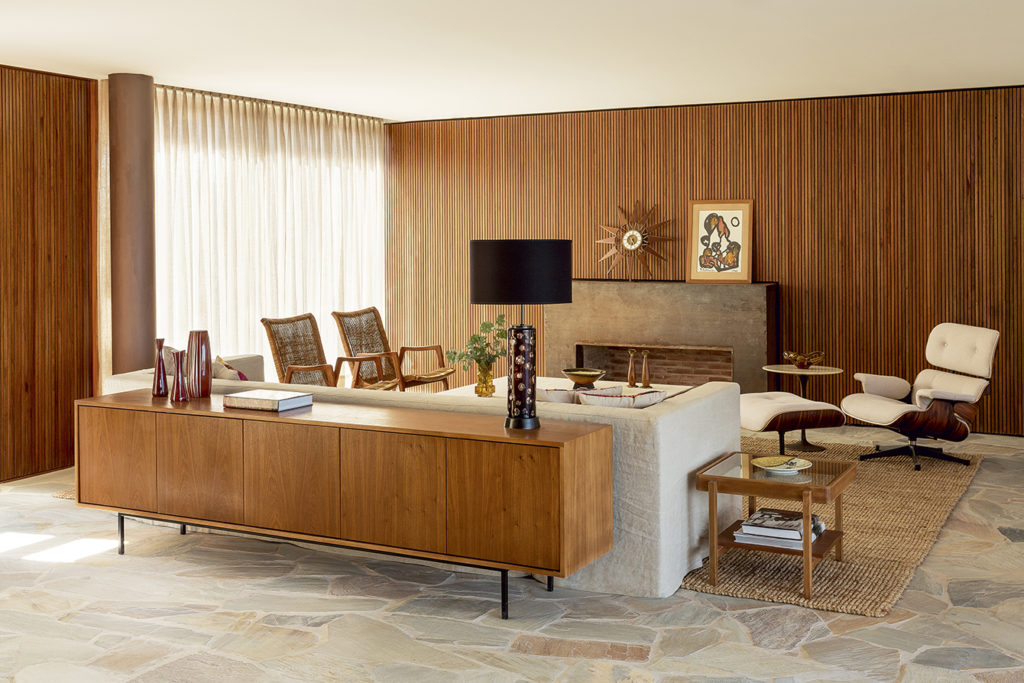 Picture of: How The Eames Lounge Chair Became An Icon Of American Design Galerie