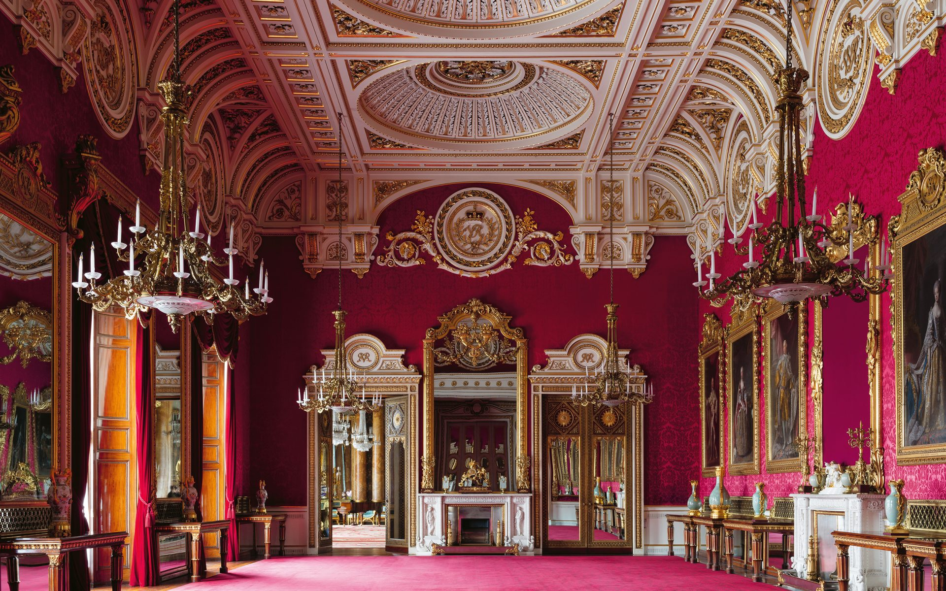 get a rare glimpse of the royal family s private rooms at. Black Bedroom Furniture Sets. Home Design Ideas