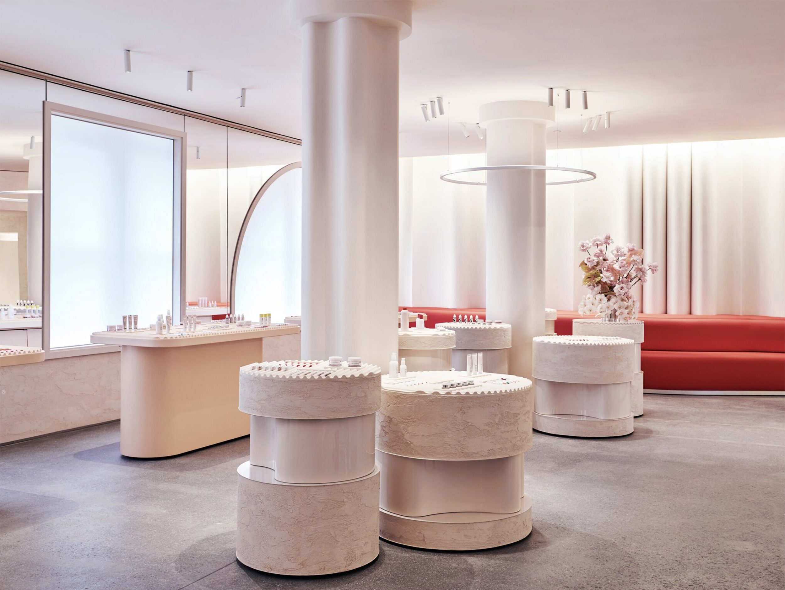 Glossier Opens New York Flagship Designed by Gachot Studios - Galerie
