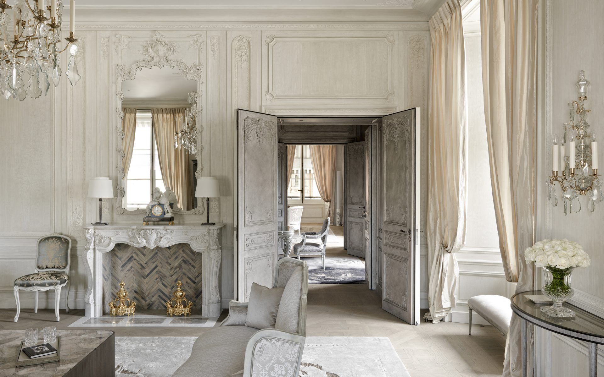Most Luxurious Hotel Suites In Paris
