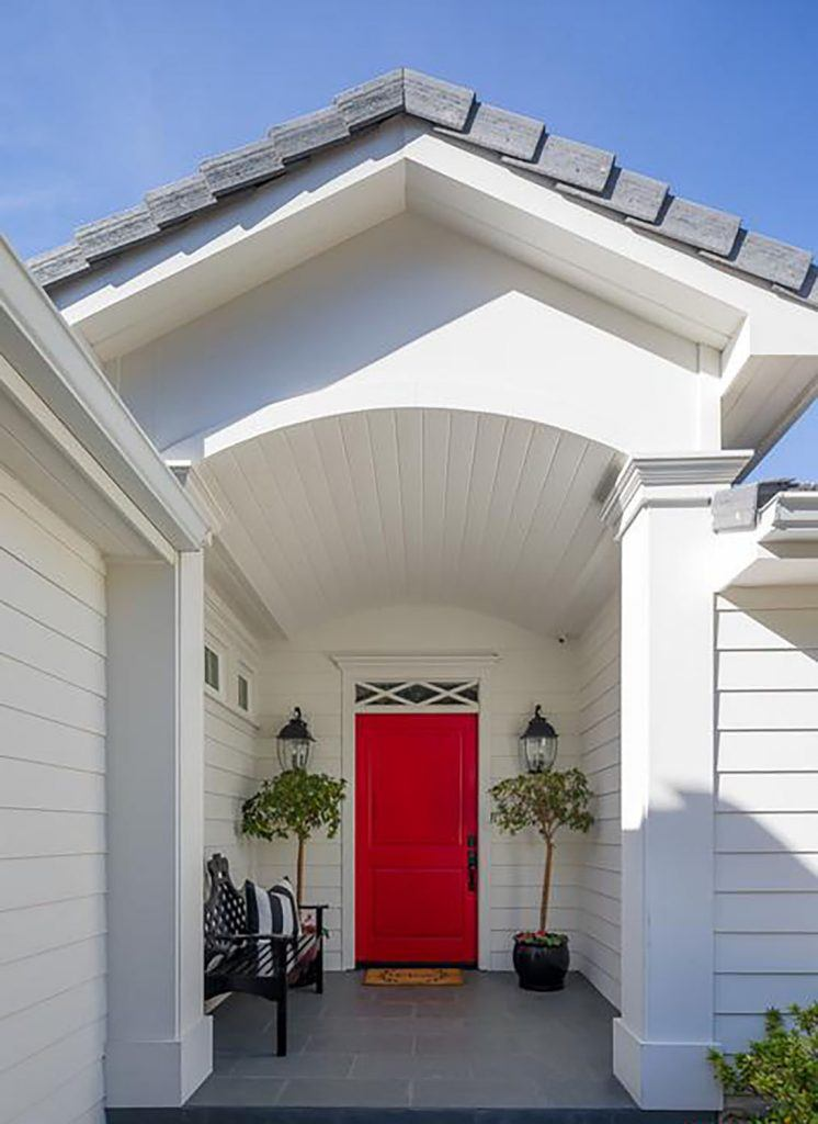 Enjoyable Emma Stone Lists Charming Beverly Hills Cottage For 3 8 Beutiful Home Inspiration Ommitmahrainfo