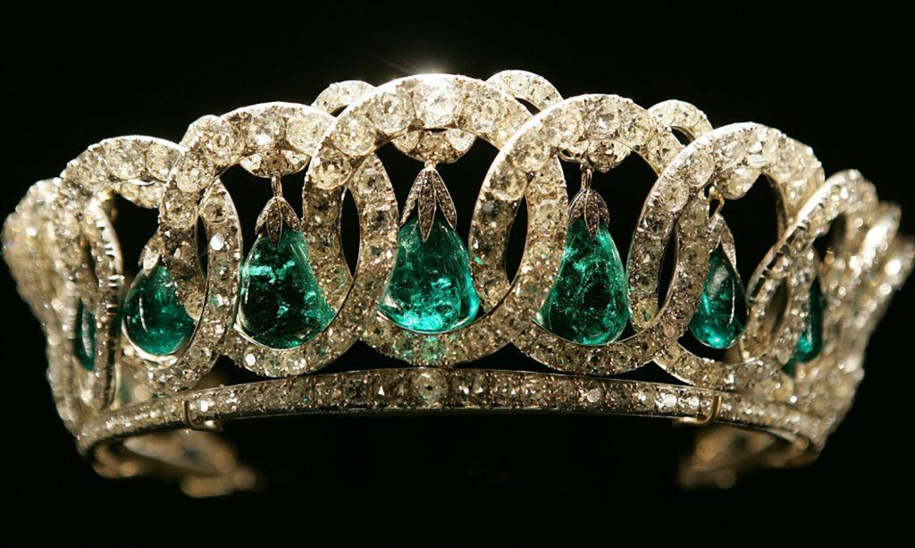 10 of the World's Most Famous Emerald Jewels - Galerie